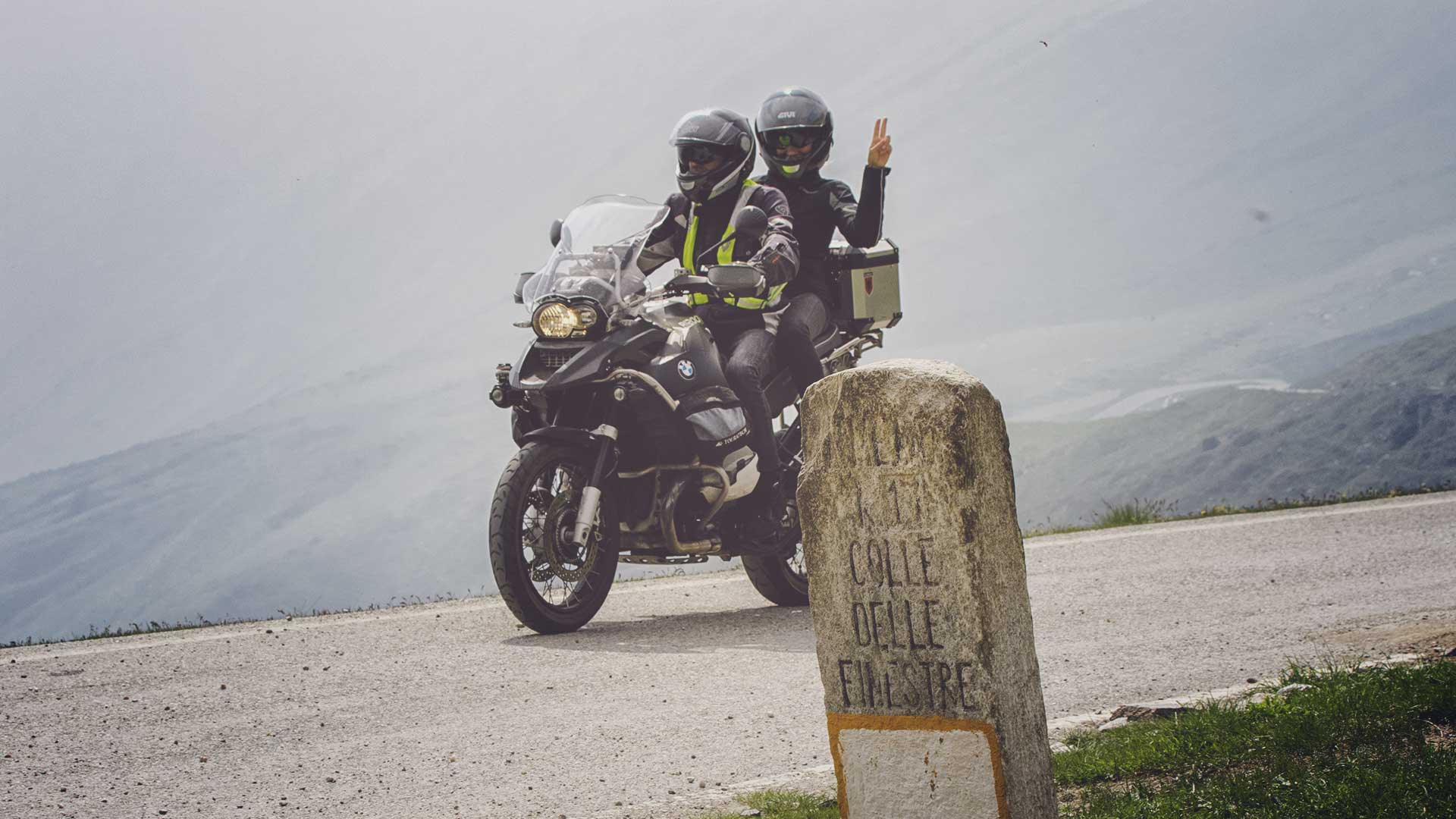offer: OCTOBER BY MOTORCYCLE 4 NIGHTS FOR THE PRICE OF 3